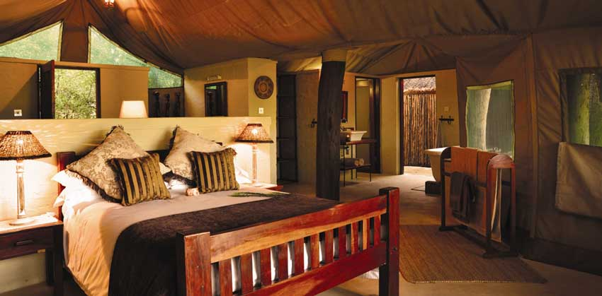 The Hide deluxe bedroom