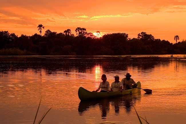 canoeing zambezi