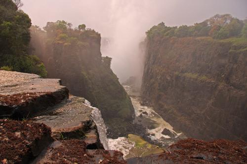 Victoria Falls from devils cataract