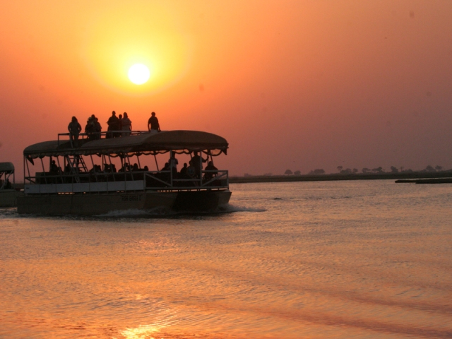 River cruise with Chobe Safari Lodge in Botswana. Victoria Falls, Hwange, Chobe safari