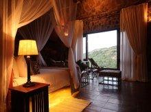 Big Cave Lodge in Matobo Hills area - Zimbabwe