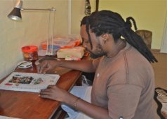 Gift, artist in Victoria Falls