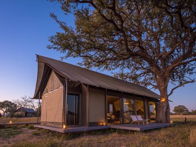 A luxury room at Linkwasha Camp - Hwange accommodation