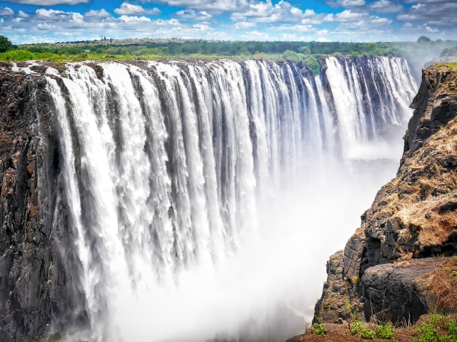 Tour of the Victoria Falls in Zimbabwe