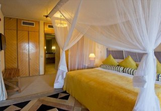 Victoria Falls Package - Elephant Hills or Kingdom Hotel