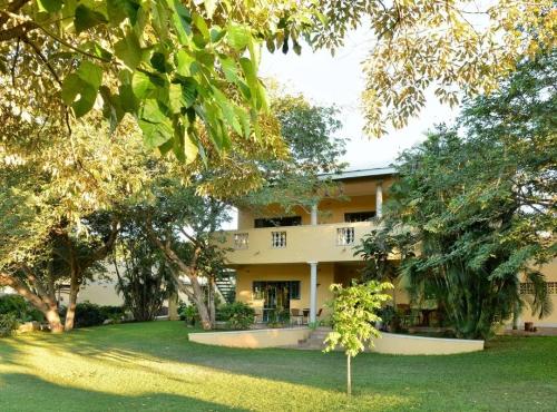 Amadeaus Garden Guest House - Victoria Falls accommodation