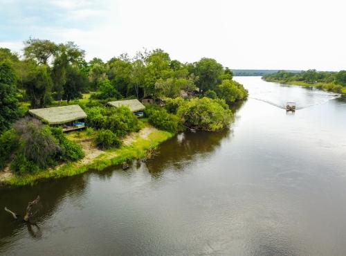 Victoria Falls riverside accommodation at Chundu Island
