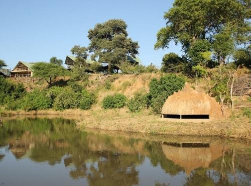 Kavinga Camp and the hide - Mana Pools, Zimbabwe