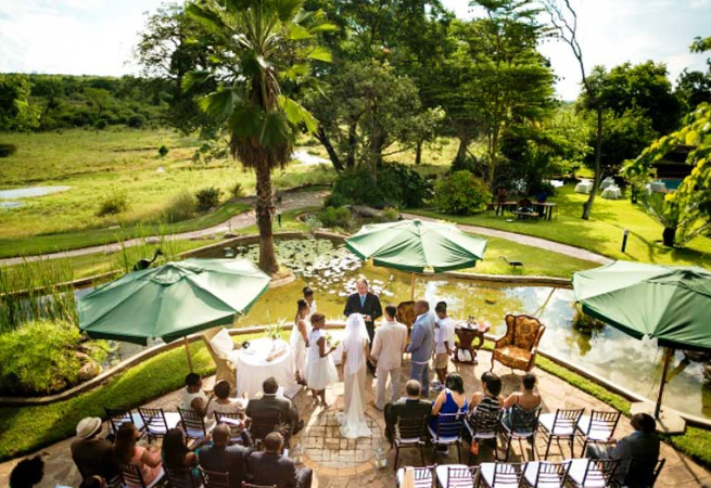 Another fantastic outdoor wedding in Victoria Falls
