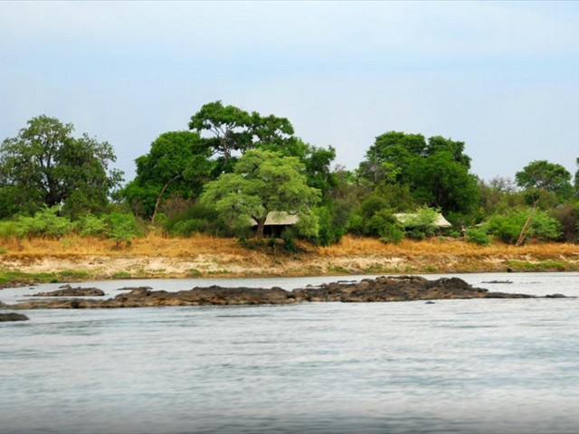 Pioneers Camp right along the banks of the Zambezi River