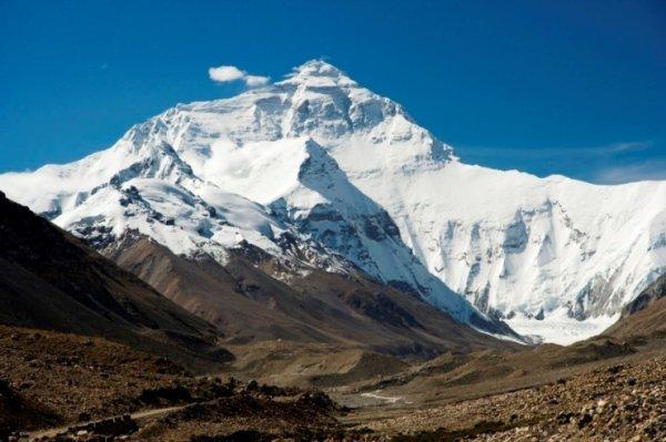 Mount Everest viewed from Tibet