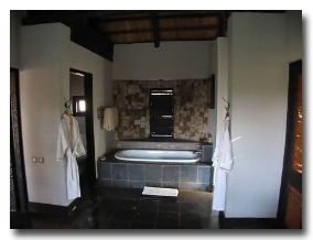 Matetsi Water Lodge Bathroom