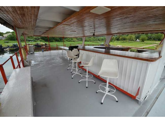 Bar on the upper deck - this becomes the focal point