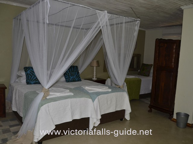 A triple room at Bayete Lodge