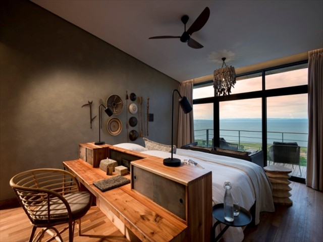 Luxurious Suite with a view at Bumi Hills