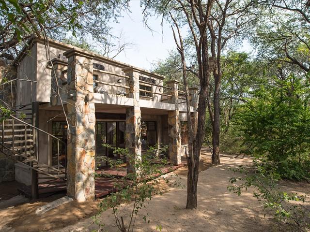 Camelthorn Lodge - Hwange National Park, Zimbabwe