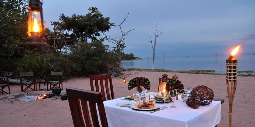 The dining room at Changa Safari Camp - Lake Kariba - Zimbabwe