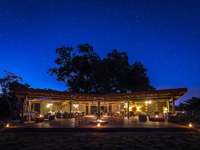 The main lodge at Davison's Camp