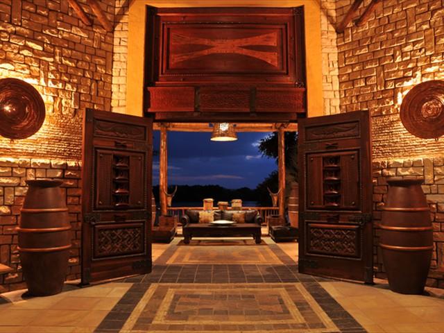 Safari lodge entrance to reception