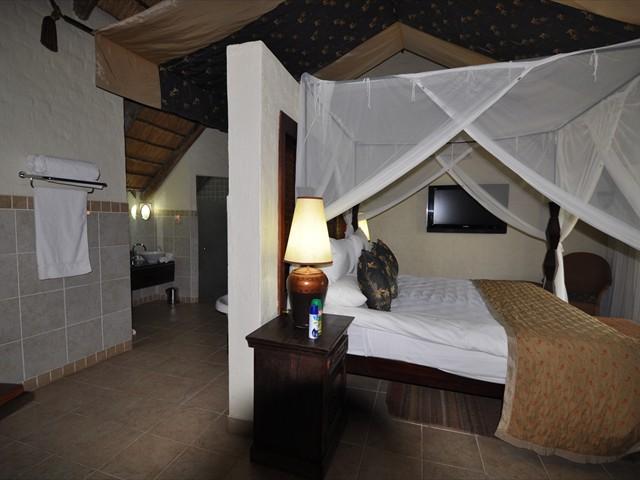 Standard en-suite bedroom
