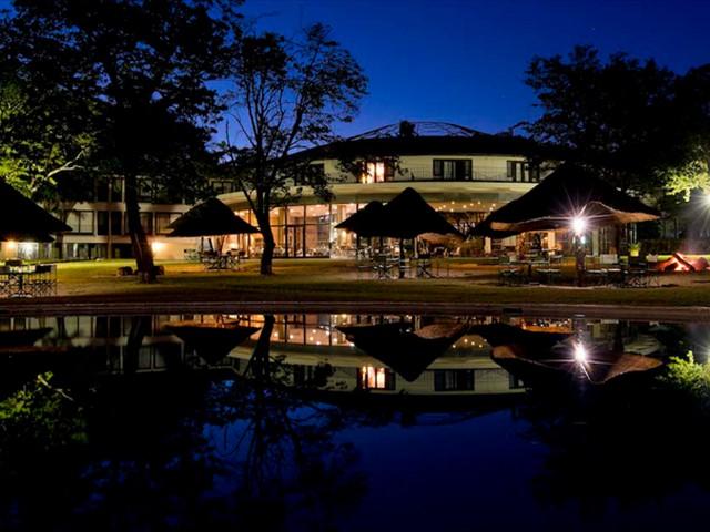 Hwange Safari Lodge at night