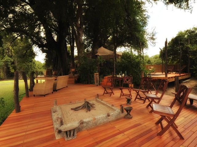 The main area of Kanga Camp - Mana Pools Accommodation - Zimbabwe