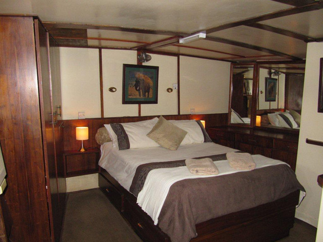 Inside a cabin on the Lady Jacqueline houseboat on Lake Kariba