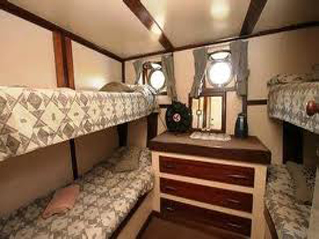 Bunk cabin with 4 bunks