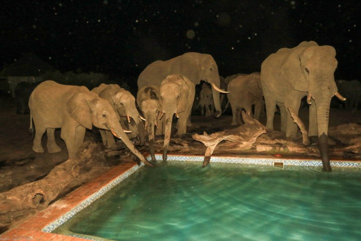 Evening drinks at the pool