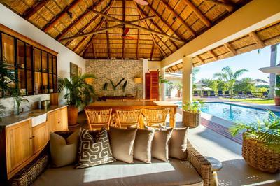 New poolside lounge