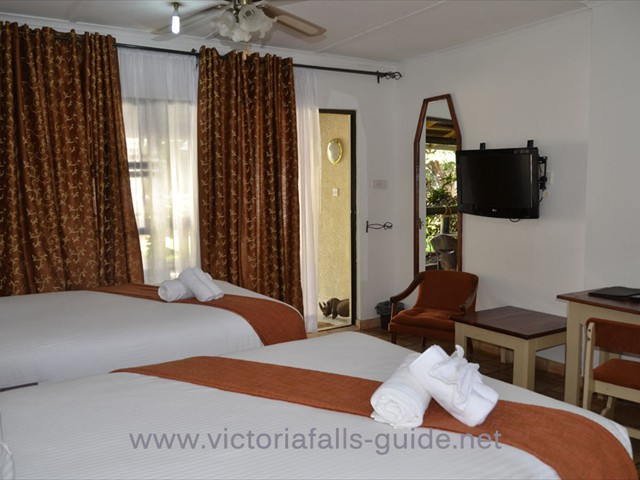 Pamusha Lodge room - budget Victoria Falls accommodation