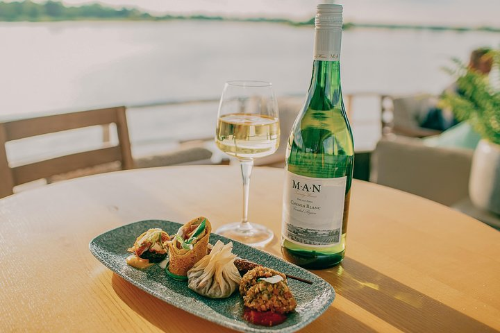 Delectable eats and drinks on the Riversong cruise on the Zambezi River - Victoria Falls, Zimbabwe