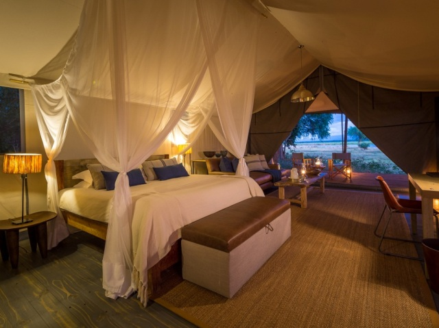 Luxurious tented suite at Ruckomechi Camp