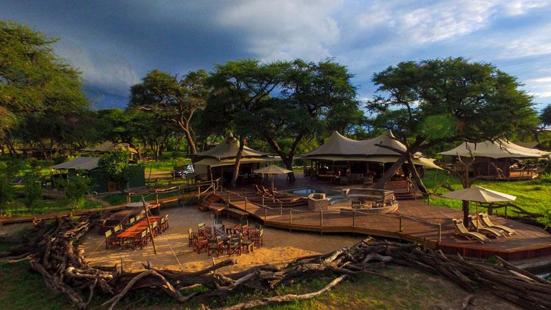 The main lodge at Somalisa Acacia