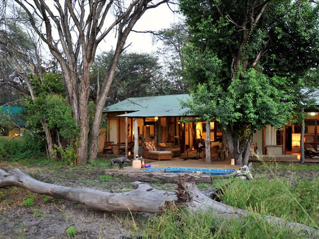 The safari cottage and tented suite at Tom's Little Hide