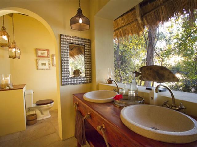 En-suite bathroom of The Bird House