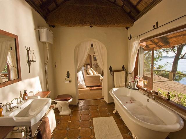 En-suite bathroom of a River Cottage