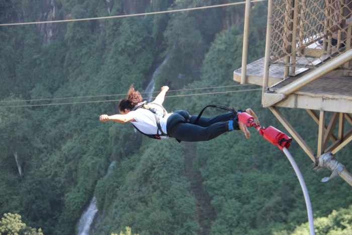 Free-fall into the gorge