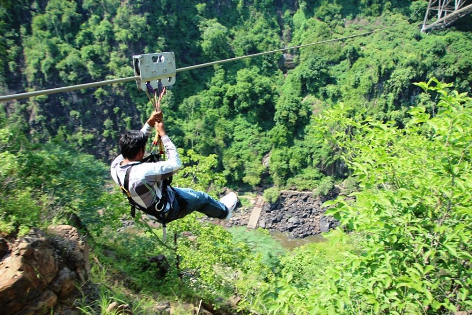 Slide across the gorge