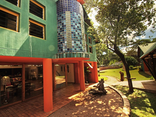 A colourful addition to Victoria Falls accommodation