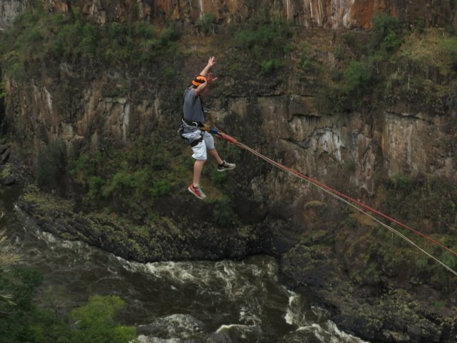 Exhilarating gorge swing