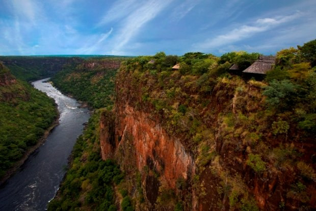 Gorges Lodge perched on the edge