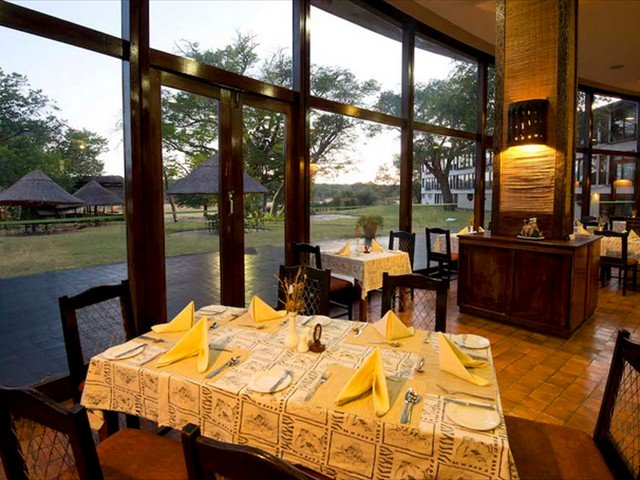 Dingani Restaurant at Hwange Safari Lodge