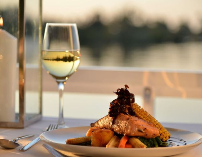 Sunset & Dinner Cruise on the Zambezi River