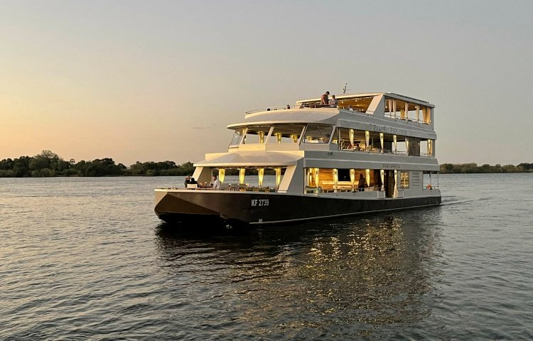 The Zambezi Explorer on the river