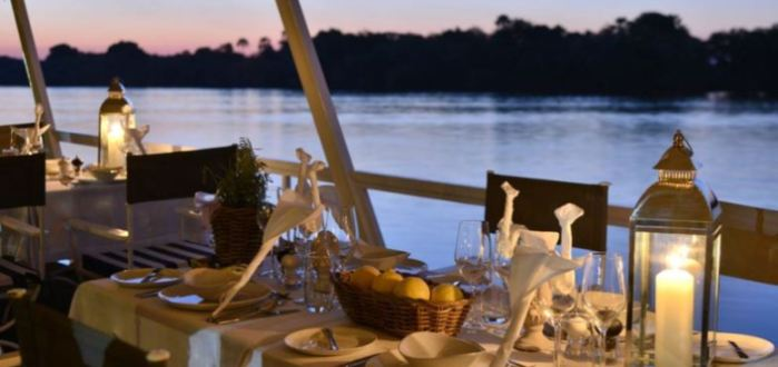 Dine on the Zambezi