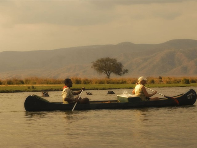 Canoeing the Zambezi in Mana Pools