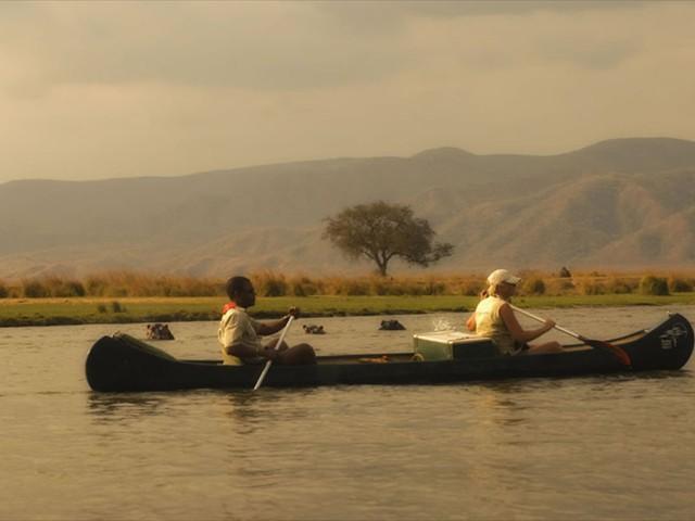 Canoeing the Zambezi in Mana Pools