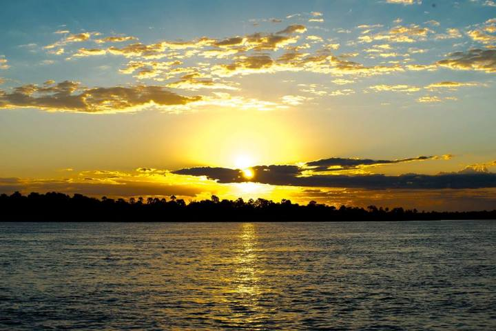 Victoria Falls Sunset Cruise Which One Is Best For You