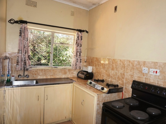 Self-contained kitchens